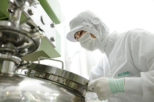 Отдел производства, вакуумное эмульгирование чайник